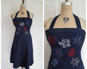 Vintage 90s dark blue denim halter dress with embroidered flowers, strapless jean dress size S/M