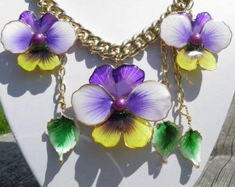 Necklace  The Forests fay Handpainted Gift Flowers Pansies Beautyful Jewelry