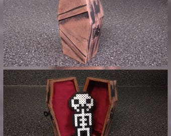 Coffin with skeleton!