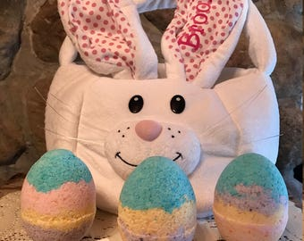 Easter egg bath bomb