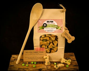 Ships FREE! Cheesy Peas Dog Treats, Gourmet, Homemade Dog Treats, Dog Biscuits, Gift Dog Lovers, Healthy Ingredients, Fresh Baked, Pet Snack