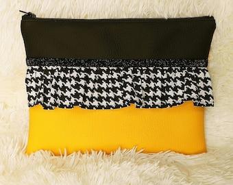 Kit flat yellow and black imitation leather, houndstooth ruffle