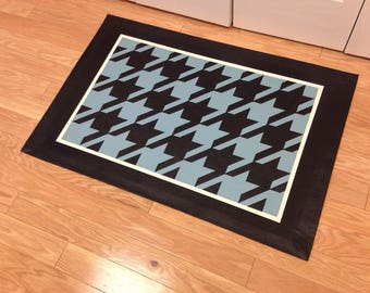 Area Rug, Hand-painted Floorcloth Rug - Houndstooth with Solid Border