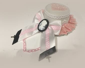 Classic Gothic Lolita Lady Brooch Pink Chain Love Heart Bowknot White & Pink Lace White Fascinator Top Hat [S10]