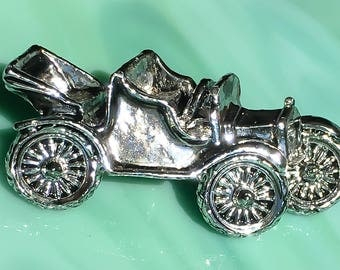 Model T Ford | Classic Car Pin | Antique Car Brooch | Collector Car Jewelry | Gifts for Him | Gifts for Her | Vintage Jewelry