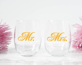 Wedding Gift for Couple - Custom Mr and Mrs Gift -  Mr and Mrs Stemless Wine Glass - Custom Gift for Husband - Personalized Wedding Gift