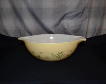 Pyrex Cinderella Bowl Shenandoah Pattern