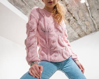 Pastel pink sweater loose knit pullover leaves design clothing crewneck knitted sweater birthday gift for sister soft women knitwear chunky