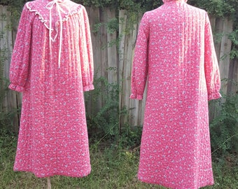 Vintage 1970's Say-Lu Quilted Robe