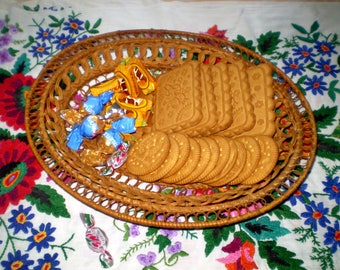 Vintage Wicker Dish Wicker Basket for Bread  Plate for Cookies
