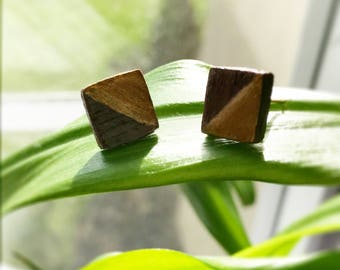 Adorable square wooden and gold studs