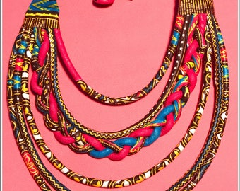 SALE 30%! Pink wax women necklaces. To wear crew neck and composed of 5 strips