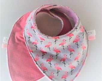 Bavoir bandana par 2 ,bavoir bandana bébé,bavoir fille,tissu japonais rose et coton gris parsemé de flamands roses ,doublés d'éponge .