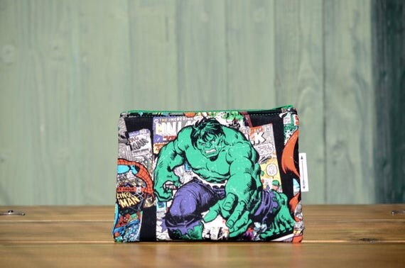 Hulk small zipped pouch