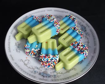 Taffy Pops Wax Melts Salt Water Taffy, Blackberry, Fizzy ~ 5 Ounce Bag