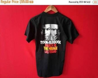 vintage mike tyson vs ruddock boxing famous  medium size t shirt