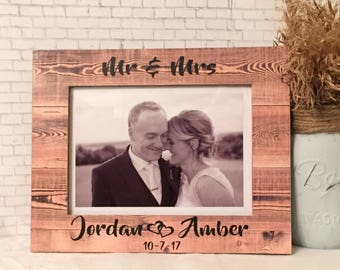 Mr & Mrs Personalized Frame Wedding Frame Personalized Wedding Gift Personalized Wedding Frame Newlywed Gift Newlywed Frame