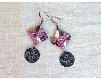 Black paper and Filigree earrings