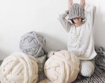 Super giant yarn. Soft yarn for knitting with hands. 100% Merino. Yarn for hand knitting. Chunky wool knit. Yarn 21 micron!!. 1kg