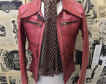 Amazing Vintage 1970s Rare Pink Leather Jacket Zip up with Big Dagger Collar Front Pockets Size XS FREE WORLDWIDE Postage