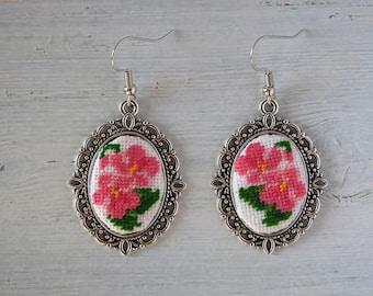 Embroidered earrings, vintage style earrings, flower earrings, boho earrings, earrings with embroidery, handmade earrings, bohemian earrings