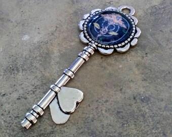 Key pendant 'Magic mushroom'