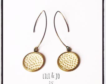 Cabochon collection: earrings with gold on ecru background dots