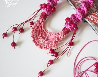 Pink macrame necklace/pink necklace/macrame jewelry
