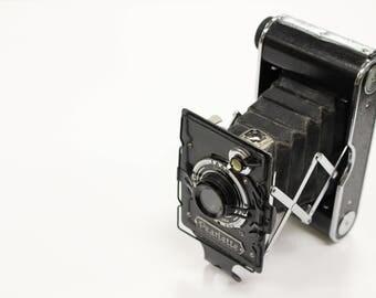 Vintage Konica Pearlette Folding Camera