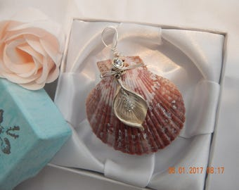 Seashell with silver flower charm pendant