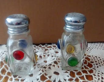 Vintage mexican salt and pepper shakers Colorful salt and pepper shakers