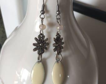 flower and drop earrings silver