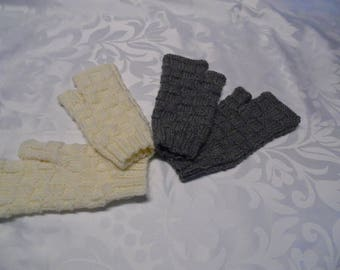 Mittens with thumb women one size fits