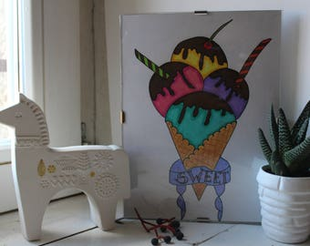 Box hand made with pencils of color (ice cream)