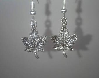 Silver maple leaf dangle earrings