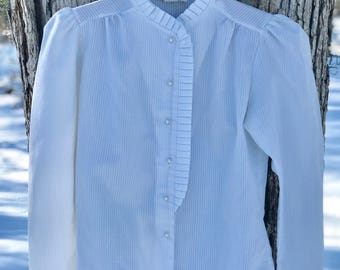 edwardian cotton blend white blouse with pearl buttons size 10