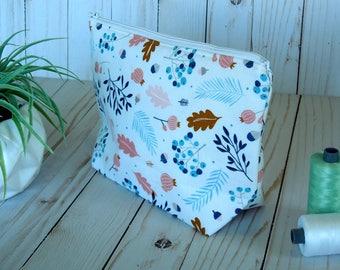 Medium cosmetic bag/ cosmetic bag/ Medium zip bag/ Travel bag/ Accessory bag