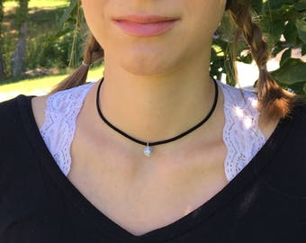 Howlite choker necklace, Leather necklace, Leather jewelry, Hippie jewelry, Boho jewelry, Beaded necklace, Choker, Marble