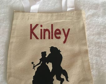 Small character tote bags