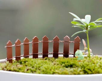 WOODEN MINIATURE: barrier Brown 11 cm * 3 cm