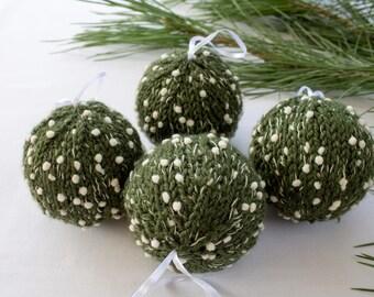 Set of 4 Christmas Pine Green and floconnees balls