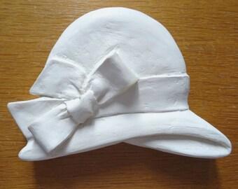 Chapeau blanc en carton mâché à peintre T14