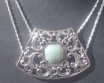 Chain Medallion - style bib necklace