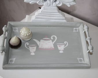 Gray weathered wood tray and its design