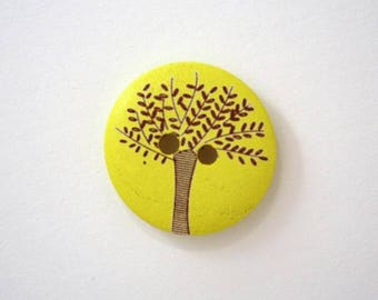 Olive wood 20mm - yellow wooden buttons x 4 001828