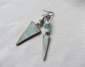 "Asymmetrical earrings handcrafted ceramic triangle charm, stone beads and glass ""cat's eye"" sky blue and ecru, flower pattern"
