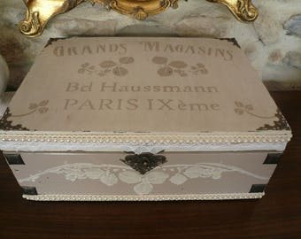 Antique off-white wooden box, pink lace and pearls