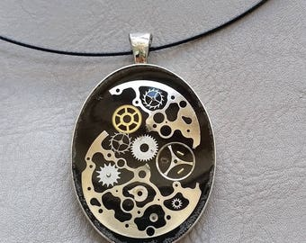 Choker + pendant oval shaped watch parts and resin