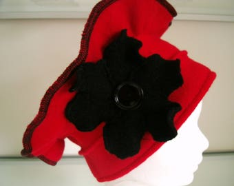 Beret Hat chemo fleece with black Flower hat and his big black button