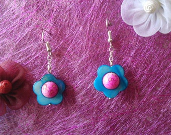 Blue mother of Pearl Flower Earrings